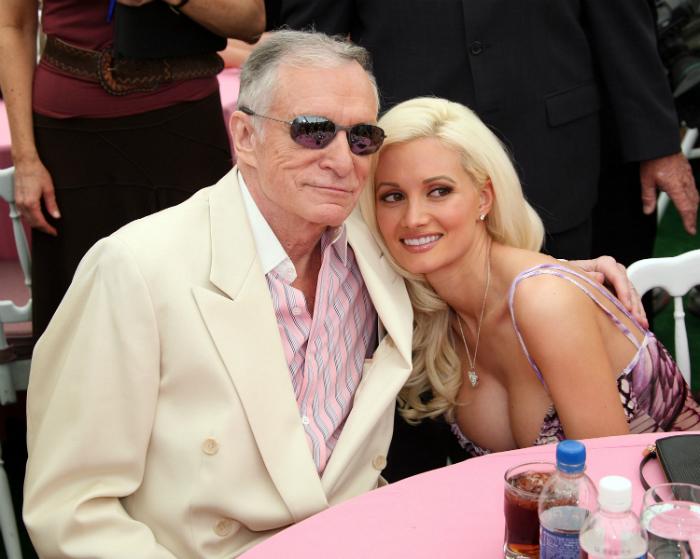 Playboy lány kitálalt Hugh Hefner bántalmazásairó