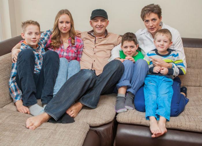 Így él nevelt lányával Vujity Tvrtko