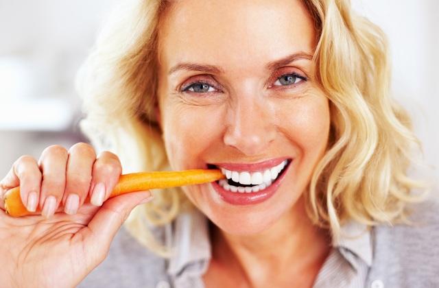 Vitaminok és ásványi anyagok a szem egészségéért 50 felett