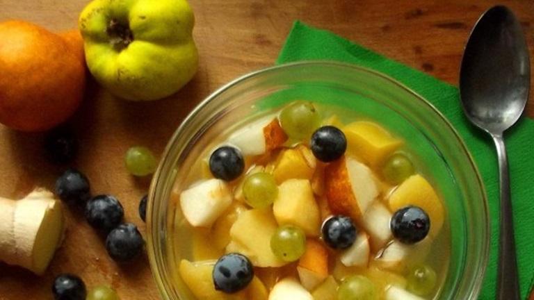 Forró őszi gyümölcsleves