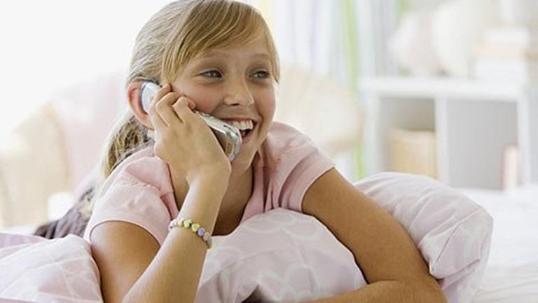Haladtunk a korral: telefont a gyereknek! Gonoszanya lettem