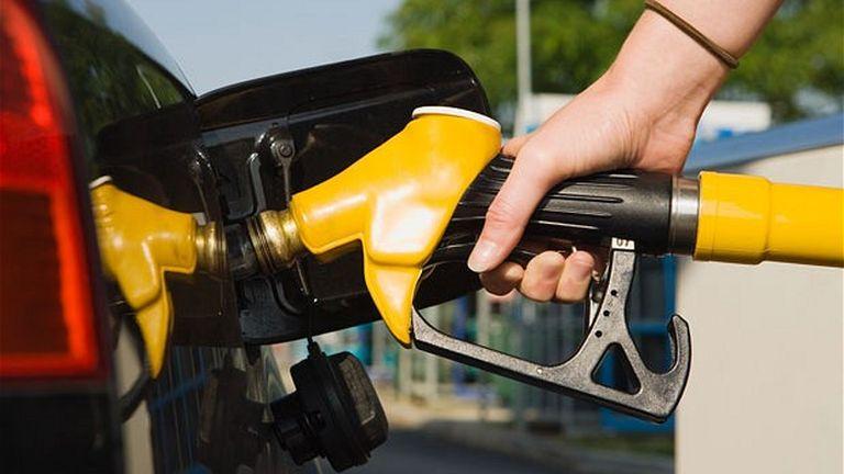 Változik pénteken az üzemanyag ára