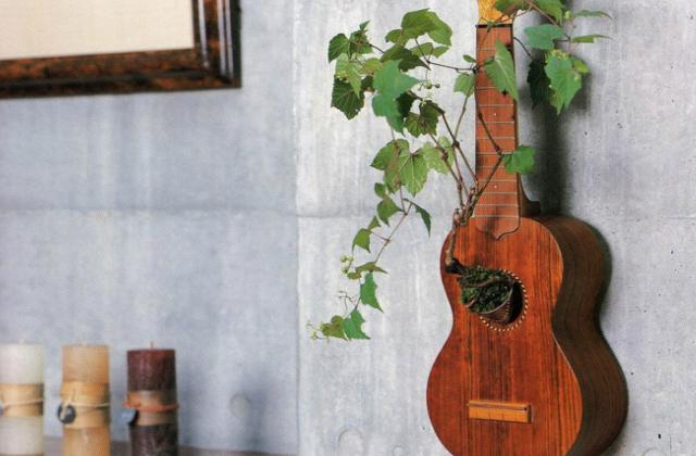 Egy klassz egyedi virágtartót a falra?