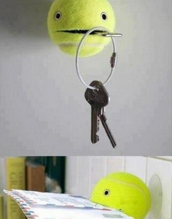 Teniszlabda mint kulcstartó és levéltartó. NIncs más dolgod, csak félbevágni a labdát!