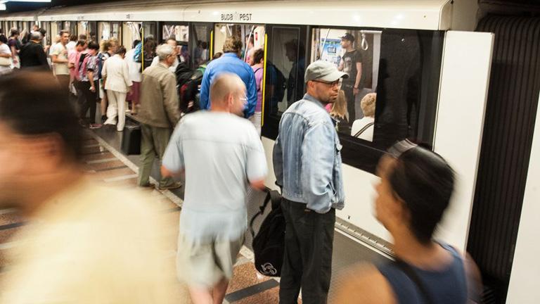 2-es és a 4-es metró ajtajai nem fognak kinyílni maguktól.