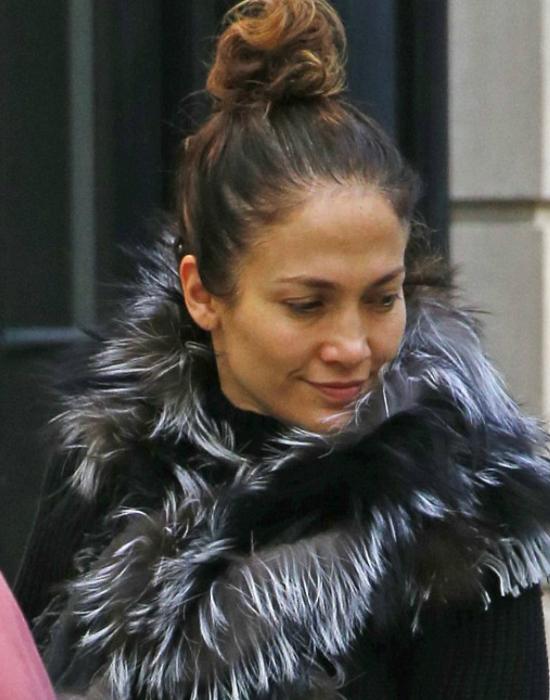 Smink nélkül is sugárzó a 46 éves Jennifer Lopez – fotók