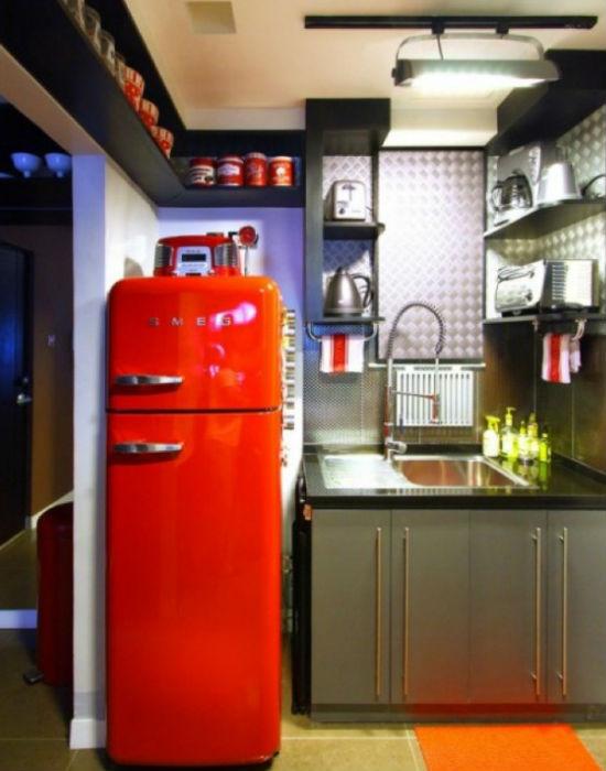 Egy élénk színes hűtő egy retró konyhából sem hiányozhat