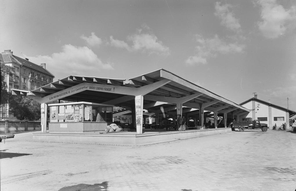 Nyugati pályaudvar Váci úti oldala, fedett rakodó/1950