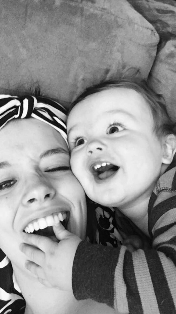 25 végtelenül őszinte szelfi, ami megmutatja, hogy milyen az igazi anyaság