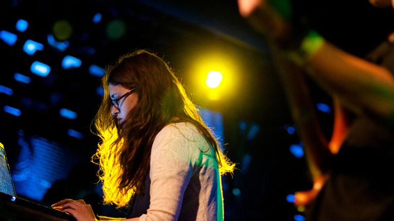 """""""Nem a közönségnek zenélek, de nagyon inspirál, ha valakinek tetszik"""" (Fotó: Koleszár Adél)"""