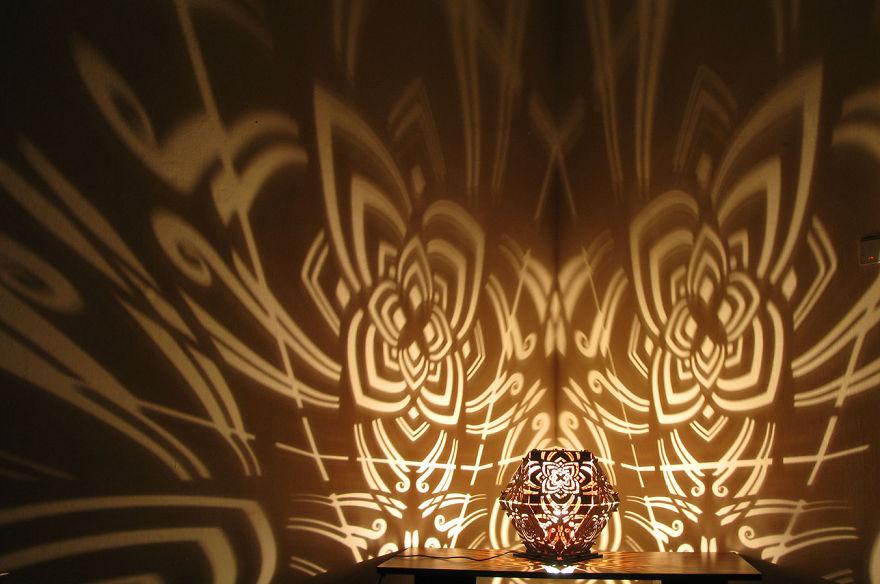 Gyönyörű lámpák még varázsosabb árnyékokkal - fotók