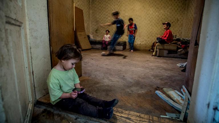 Rozáliának hat gyermeke van, akiket ruháznia, etetnie kell Fotó: Hajdú D. András