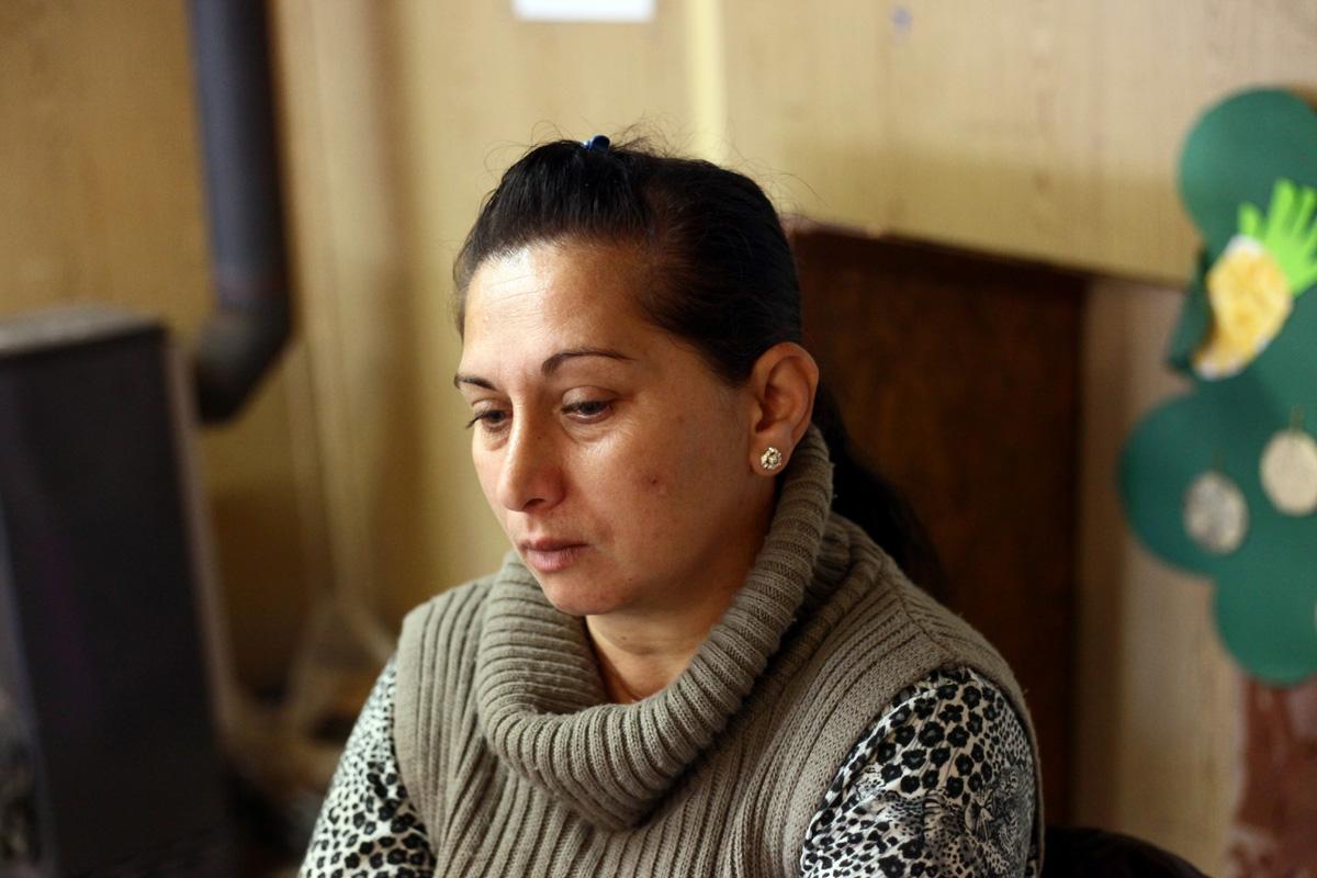 Katiékkal a BAGázs konténerházában beszélgettünk, a bagi cigánytelepen