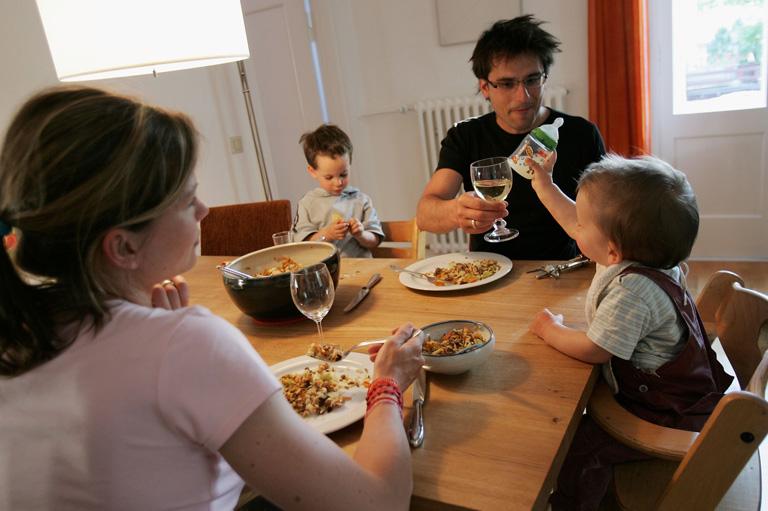 A családi vacsora fontosabb a gyereknek, mint gondolnád