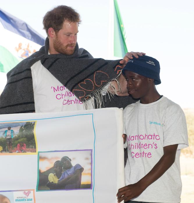 Harry herceg megható képeit megkönnyezik
