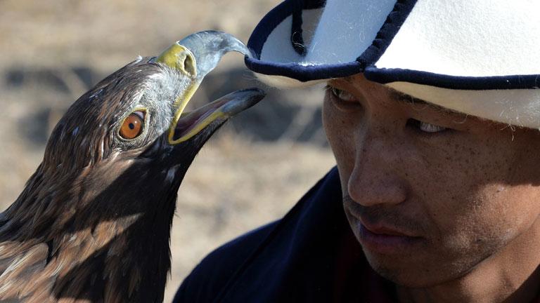 Kazah vadász és egy barátságos parlagi sas (ne próbálják ki otthon!)