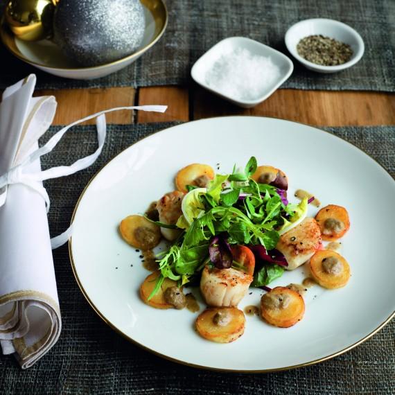 Kapribogyós kagyló és likőrboros krémdesszert - ünnepi receptek Gordon Ramsaytől