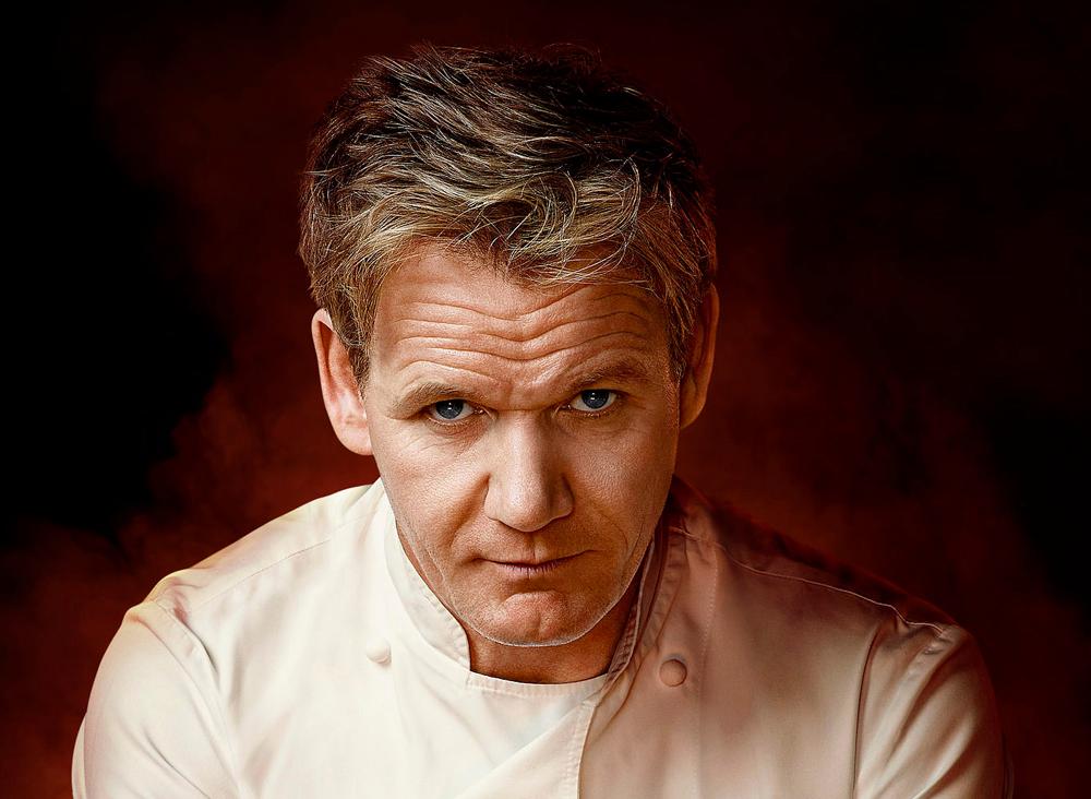 Kapribogyós kagyló, mázas sonka és likőrboros krémdesszert - ünnepi receptek Gordon Ramsaytől