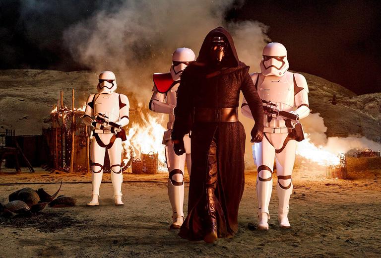 Az új Star Wars egyszerre remake és folytatás – Kritika Az ébredő Erőről
