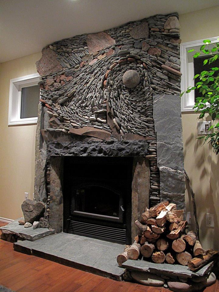 A nappali dísze egy továbbgondolt kőfal
