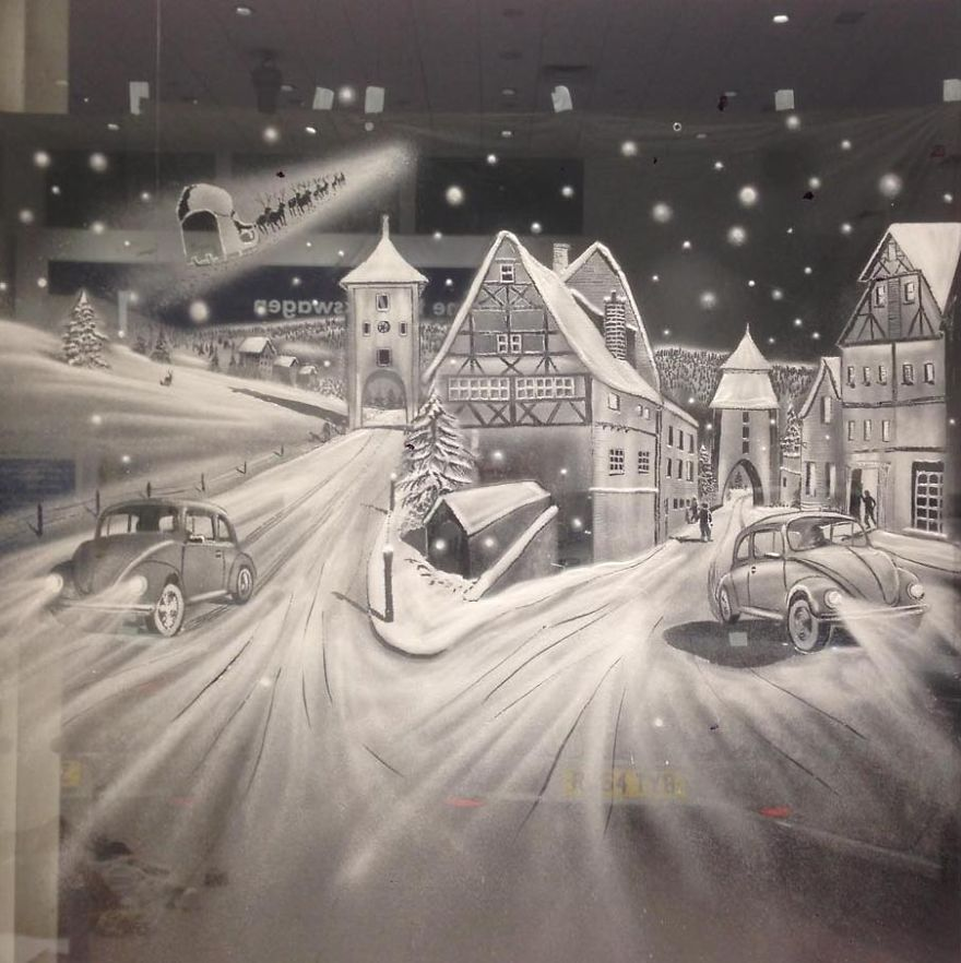 Bámulatos festményeket készít hósprayvel az ablakokra - képek