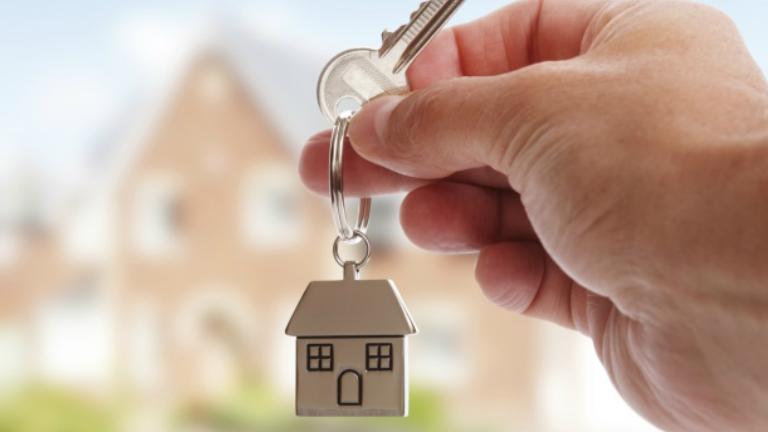 Több százezer családnak jelent segítséget az új otthonteremtési program