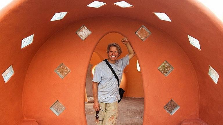 Hat hét alatt, saját kezűleg építette fel álomotthonát Thaiföldön ez a férfi
