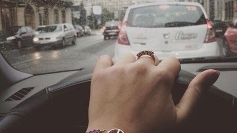 Jógázz vezetés közben is