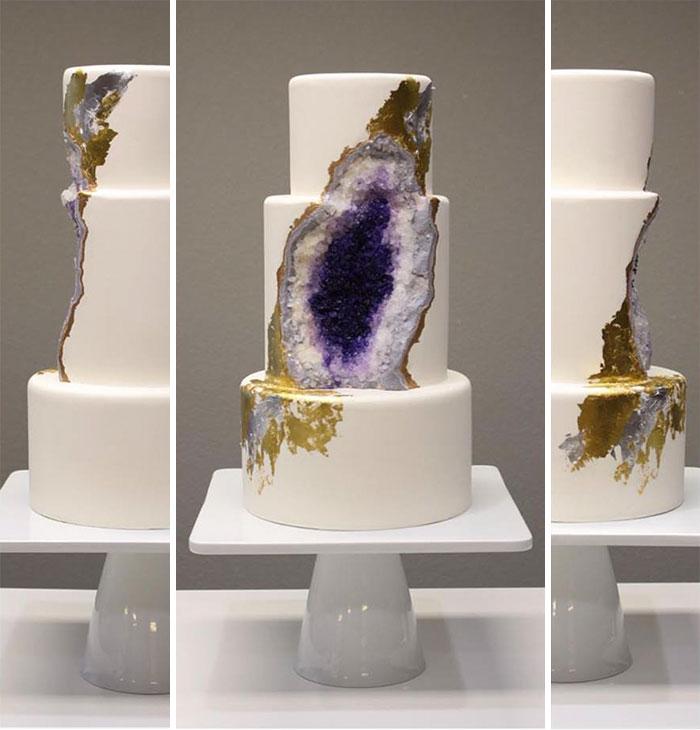 Ettől a lenyűgöző ametiszt-tortától leesik majd az állad