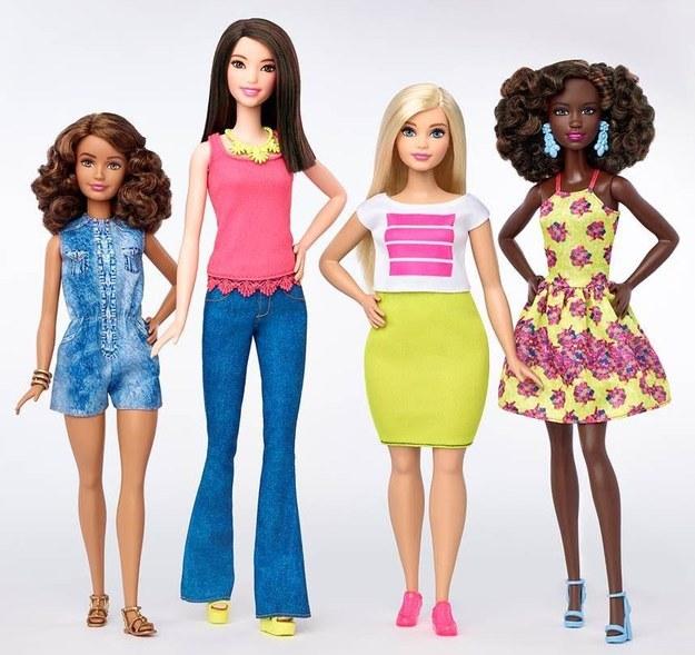Formás, filigrán, magas: 57 év után változik meg a Barbie-babák alakja
