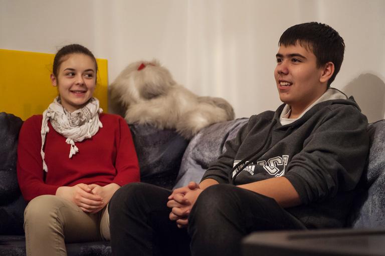 Bezzeg a mai fiatalok: Ha gyereket kell magyarra szinkronizálni, jó eséllyel őket hívják