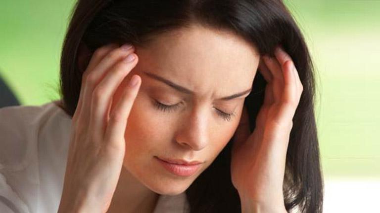 Így vess véget a migrénnek egy perc alatt