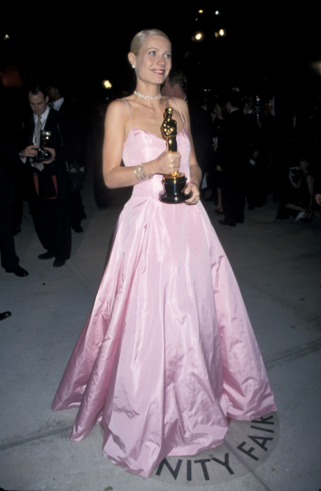 Gwyneth Paltrow: 43 évesen a szex tart fiatalon