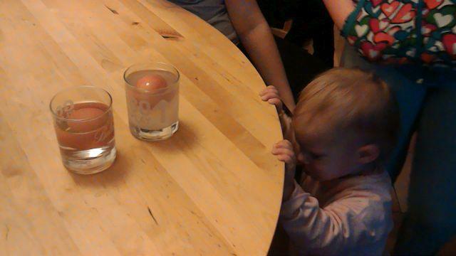 Teszteltük: 6 tudományos kísérlet, amitpróbálj kia gyerekeiddel