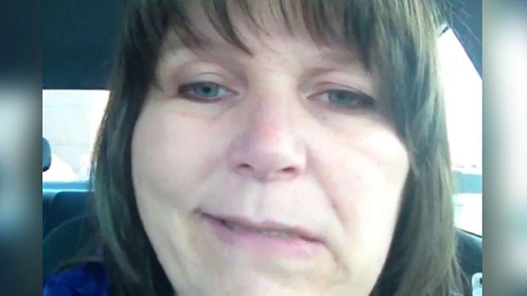 A fedélzeti kamera vette fel, ahogy ez a nő stroke-ot kapott vezetés közben