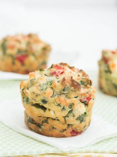 Medvehagymás-fetás muffin