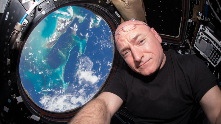 340 napos küldetésével Scott Kellyé a legtöbb időt az űrben töltő amerikai űrhajós rekordja (Fotó: NASA)