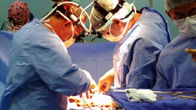 A méh beültetése kilenc órás műtétet igányel