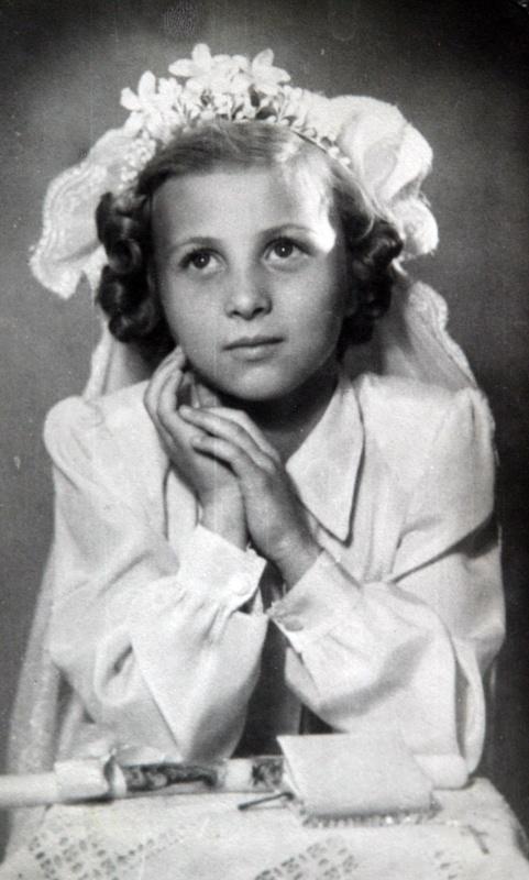 Ma 75 éves a revü koronázatlan királynője, Medveczky Ilona