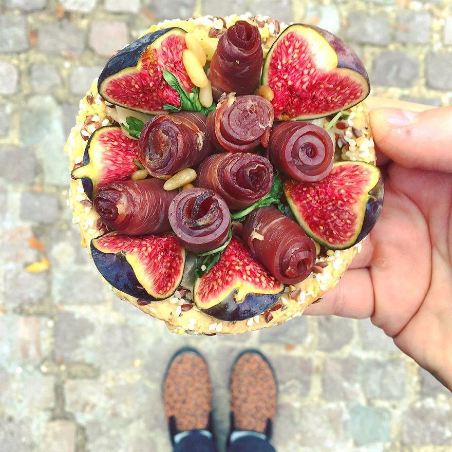 Párizs csodás desszertjeit és színes cipőit fotózza ez a férfi