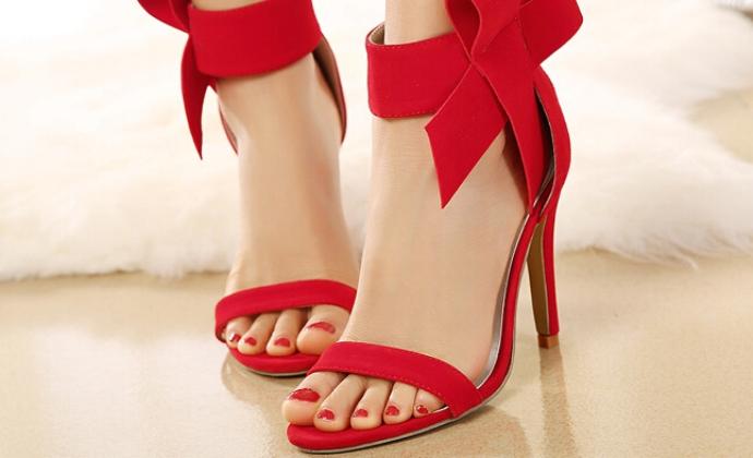10 magas sarkú cipő típus – megmutatjuk, hogyan viseld őket