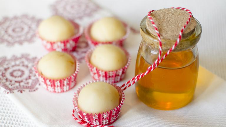 Izgalmas desszert: maceszgombóc marcipánnal