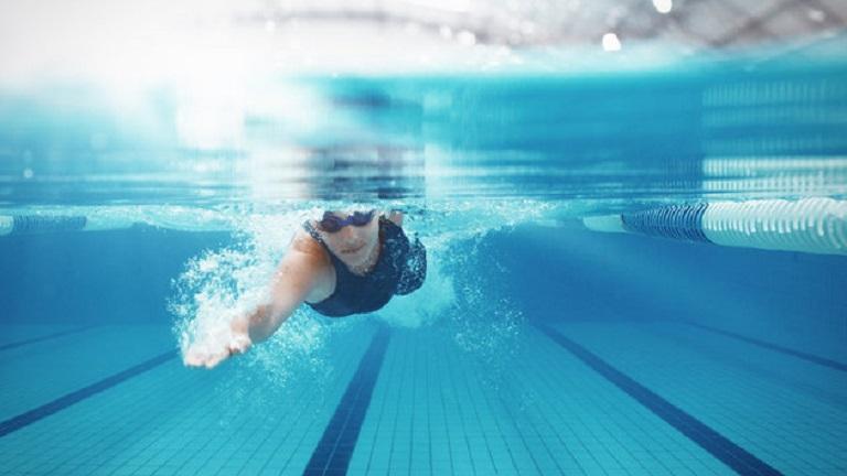 3 ok, amiért az úszás csodát tesz az egészséggel