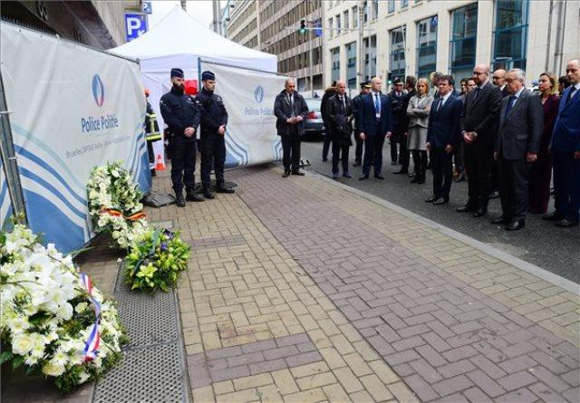 Brüsszelben megemlékeznek az áldozatokról. Fotó: MTI/AP/Emmanuel Dunand