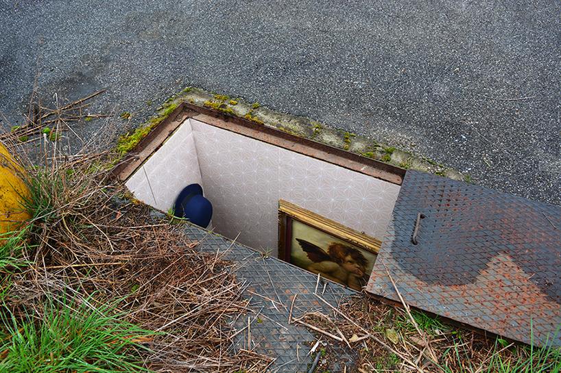 Miniatűr szobákat hozott létre a földbe vájva a milánói művész