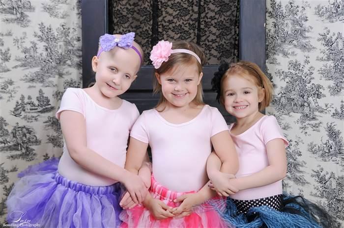 Újra együtt fotózták a három rákbeteg kislányt - megható képek