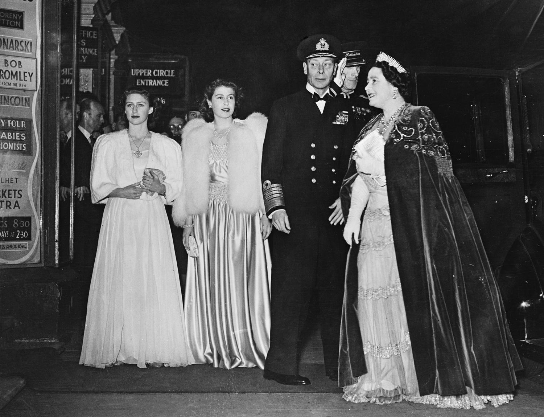 Aki a szerelem által lett uralkodó – 90 éves II. Erzsébet királynő