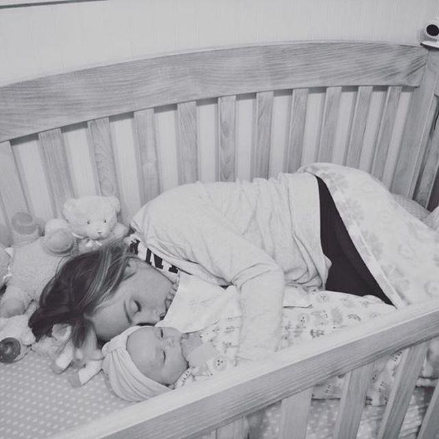 Lehet sírni hagyni egy babát egy héten át?