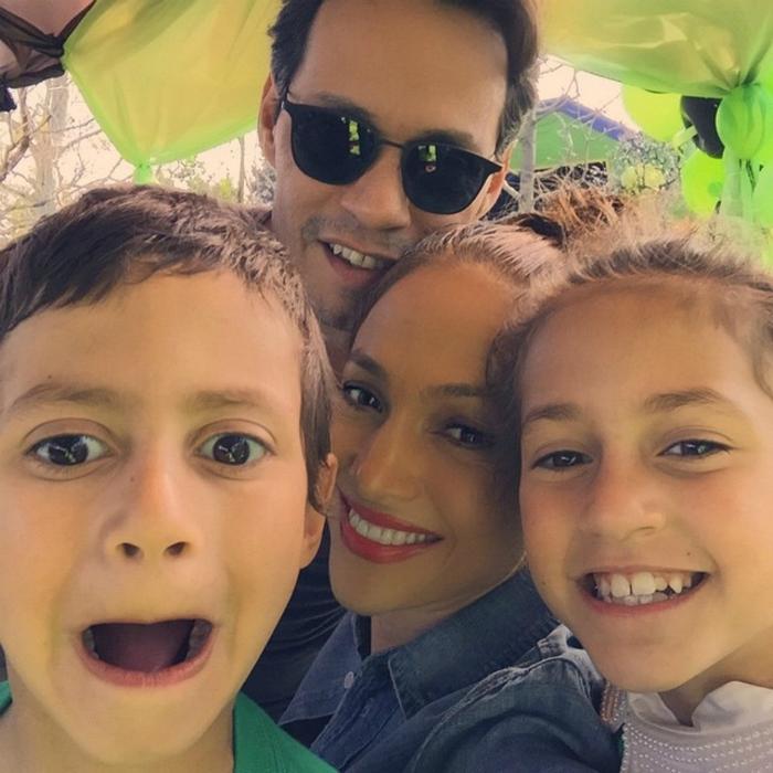 A gyerekeik születésnapján boldog családnak tűntek még tavaly is