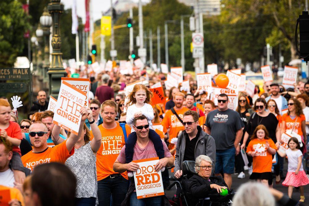 Világ vörösei, egyesüljetek! - Több száz vörös hajú ember vonult fel a Vörös Pride-on
